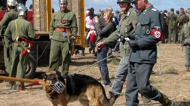 U vojenského opevnění v Milostovicích se po roce opět válčilo.