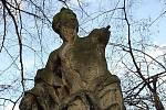 Takto vypadala socha Jitro v dobách, kdy ještě v parku stála.