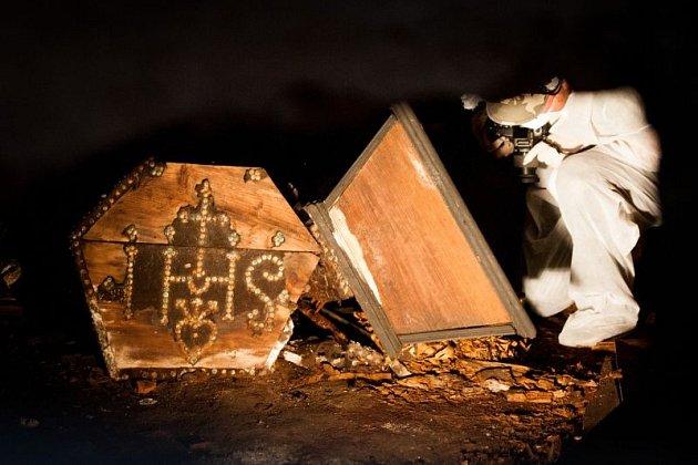 V uplynulých dvou měsících proběhl v kostele sv. Ducha nedestruktivní archeologický průzkum podzemí. V červenci byly na snímcích pořízených georadarem identifikovány dutiny pod podlahou kostela a přilehlých kaplí.