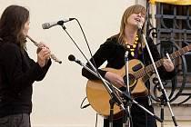 Žofie Kabelková a Petra Klementová zahrají v rámci turné také v Opavě.