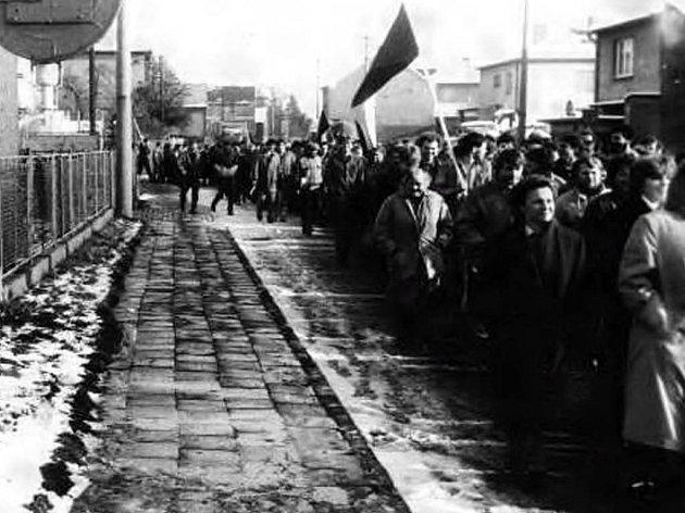 Generální stávka dělníků z MSA v Dolním Benešově.