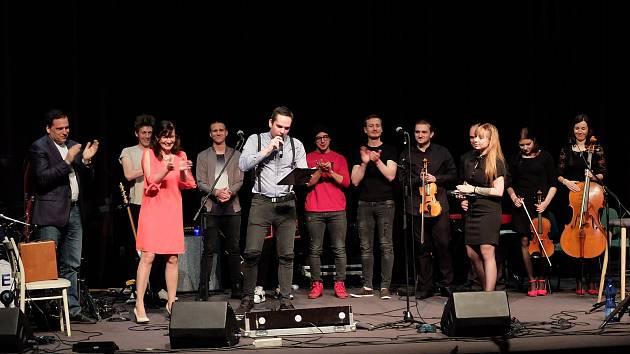 Benefiční koncert v kině Mír pomohl nemocnému Tomášovi.