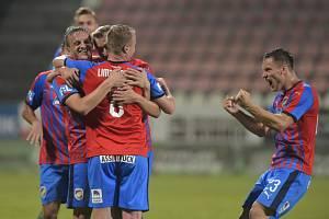 Fotbalisté Plzně se radují.