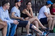 David Mikula sledoval zápas proti Rybniku ve společnosti manželky Petry.