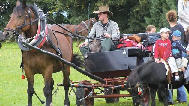 Hubertova jízda v Jančí je už tradiční akcí.
