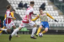 Praha - Zápas 7. kola FORTUNA:LIGY mezi FK Pardubice a SFC Opava 7. 11. 2020. René Dedič (SFC Opava).