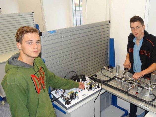 Nová učebna mechatroniky na Střední škole průmyslové a umělecké v Opavě nemá obdoby v celém opavském regionu.