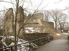 Nedaleko Vítkova se nachází zřícena hradu Vikštejna. Býval kdysi největší pevností ve Slezsku, obývali ho vznešení šlechtici, ale také loupeživí rytíři.