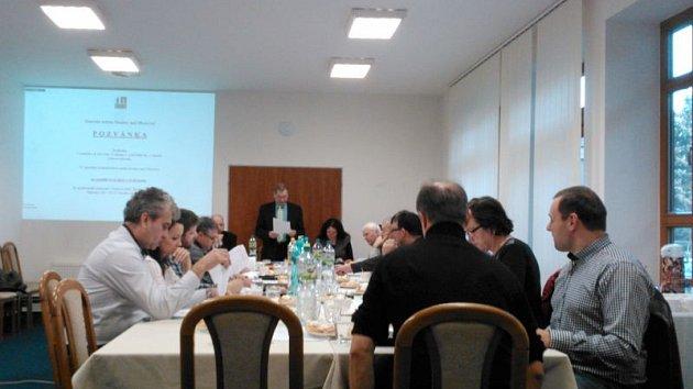 Zasedání zastupitelstva v Hradci nad Moravicí. Ilustrační foto.