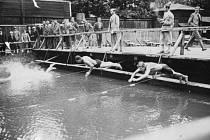 Tato fotografie z kylešovického koupaliště je s největší pravděpodobností ze začátku třicátých let.