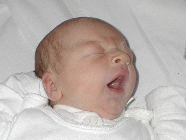 Antonín Zahel se narodil 18. prosince, vážil 3,7 kg a měřil 51 cm.