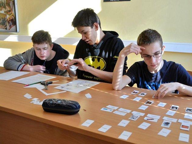 Žáci základních škol se na Slezském gymnáziu zúčastnili finále vědomostní soutěže.