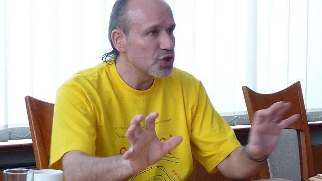 Petr Rotrekl, dramaturg největších festivalů v Opavě, letos uvede Bezručovu Opavu pod názvem Mezi námi zvířaty.