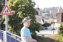 Ondřej Konečný z Bohuslavic je v Hradci nad Moravicí na návštěvě u babičky. Také on ví o krásách tohoto města své.