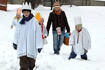 Tříkráloví koledníci vyjdou k lidským obydlím i příští rok v lednu.