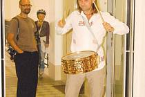 Ivo Samiec své bubny prostě miluje.