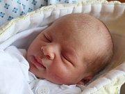 Vanesa Bitomská se narodila 12. července, vážila 3,17 kilogramů a měřila 50 centimetrů. Rodiče Jana a David z Kravař jí přejí hlavně zdraví a štěstí. Na Vanesu už doma čeká sestřička Veronika.