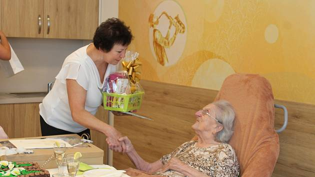 Hedvika Hlaváčová oslavila své již 101. narozeniny. Foto: Deník/Markéta Stošková