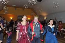 Obyvatelé Lhotky u Litultovic se rozhodně umí bavit. V těchto dnech zvolili ve vesnici dokonce pivního krále.