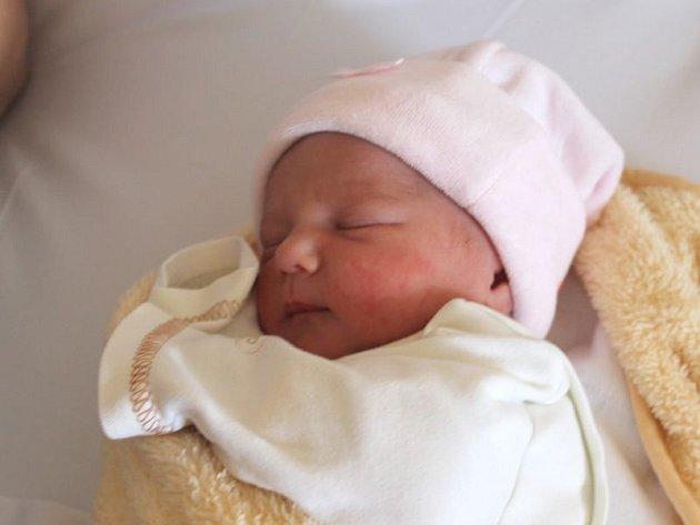 Natálie Šarmanová se narodila 6. března, vážila 2,61 kg a měřila 46 cm. Rodiče Andrea a Michal z Komárova svému prvnímu dítěti přejí do života štěstí a zdraví.