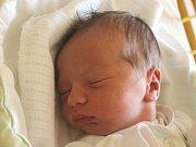Antonín Stříbný se narodil 28. března, vážil 3,54 kilogramů a měřil 52 centimetrů. Rodiče Jana a Aleš z Hněvošic mu do života přejí zdraví a štěstí. Na brášku už doma čekají sourozenci Lucka a Adam.