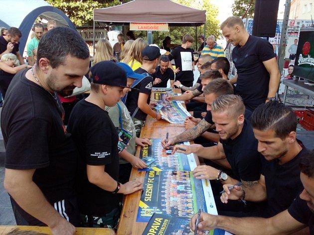 Autogramiáda fotbalistů SFC na Gastro festivalu 2018vBredě.