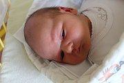 """Markéta Režnarová se narodila 10. května, vážila 3,85 kilogramu a měřila 53 centimetrů. """"Je to naše druhé miminko, doma už máme pětiletou Elišku. Do života přejeme miminku hlavně zdraví,"""" řekli rodiče Veronika a Karel z Opavy."""