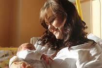 """Marie Válková se narodila 23. října, vážila 3,385 kg a měřila 50 cm. """"Hlavně štěstíčko a zdravíčko,"""" přáli svému prvnímu miminku na životní cestu rodiče Michaela a Marek z Opavy."""