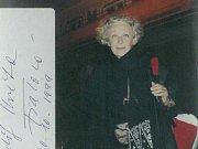 Květa Fialová v Opavě hrála například v roce 1994. Fotografii autorovi snímku podepsala ale o pár let později.