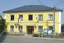 Budova obecního úřadu ve Stěbořicích se dočkala rekonstrukce.