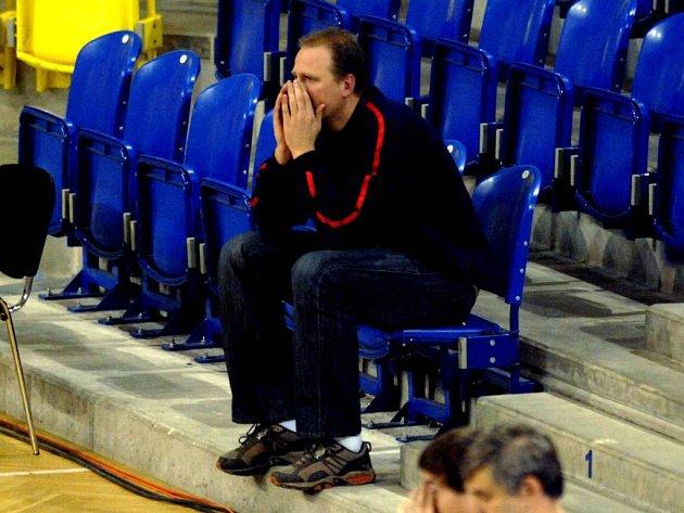 Martin Demar prožíval utkání z tribuny.