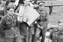 Nejnovější výstava Slezského muzea pojednává o nelehkém údělu žen během druhé světové války.