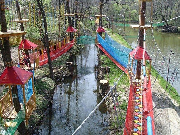 Lanové centrum ve Starých Těchanovicích je určeno dětem i dospělým.