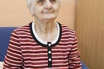 Dvaaosmdesátiletá Marta Drechslerová téměř neslyší.