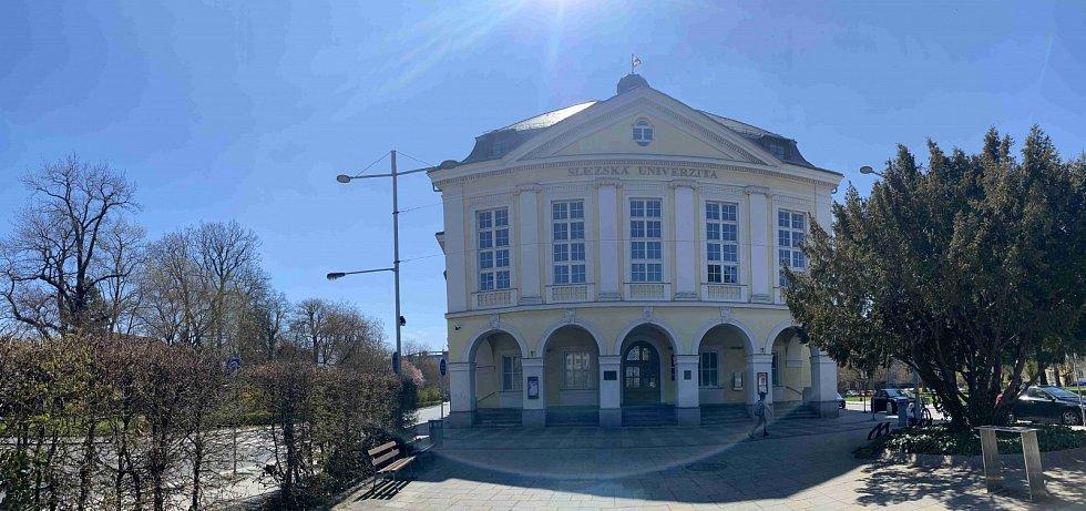 Slezská univerzita.