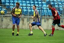 Historický střelec! Radomír Prasek (vlevo) opět oblékl opavský dres.