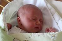 Lukáš Martinek se narodil 9. ledna 2019, vážil 3,91 kilogramu a měřil 51 centimetrů. Rodiče Monika a Lukáš z Otic mu přejí hlavně zdraví. Na Lukáška už doma čekají sourozenci Dominik a Sebastian.