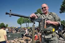 Osmého května bude u pevnosti v Darkovičkách k vidění civilní i vojenská historická technika.