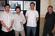 Na snímku tým vítězných architektů ve složení zleva: Dušan Řezáč, Ondřej Syrovátko, Bedřich Kostorek a Jaromír Syrovátko.
