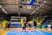 Zápas 3. kola basketbalové Kooperativa NBL mezi BK Opava a Sluneta Ústí nad Labem.
