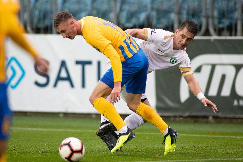 Opava - Zápas 13. kola fotbalové FORTUNA:LIGY mezi SFC Opava a 1. FK Příbram 27. října 2018. Jakub Janetzký (SFC Opava).