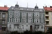 Nová univerzitní budova. Čelní pohled na rekonstruovaný objekt na Olbrichově ulici v Opavě, jehož prostory budou využity i pro potřeby rozvoje celoživotního vzdělávání.