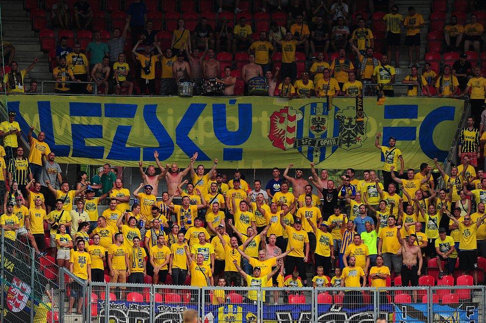 Fotbalové utkání Fortuna ligy mezi celky SK Slavia Praha  a SFC Opava 3. srpna v Praze. Fanoušci Opavy.