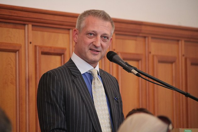 Mimořádné jednání zastupitelstva vOpavě ohledně prodeje Slezského FC Opava.