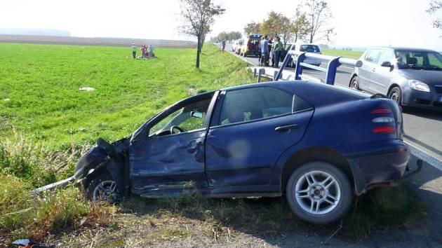 V neděli, krátce po druhé hodině odpolední došlo na hlavní cestě spojující Opavu s Olomoucí k těžké dopravní nehodě.