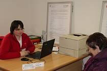 Na charitní poradnu se mohou zájemci obracet i telefonicky.