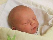 Sebastian Gintar se narodil 26. října, vážil 3,28 kilogramů a měřil 49 centimetrů. Rodiče Petra a Martin z Opavy–Kylešovic mu do života přejí hlavně zdraví.