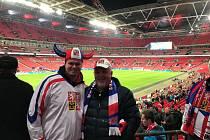 Wembley, 22. března 2019. Snímky od fanoušků z Kobeřic.