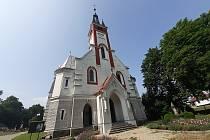 Kostel sv. Antonína Paduánského patří k pamětihodnostem Melče.