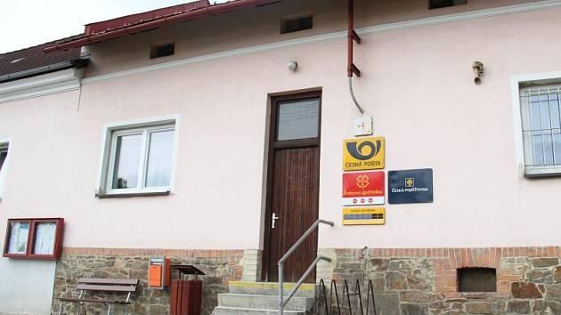 Téměř rok po brutální vraždě byste netipli, že na skřipovské pobočce České pošty mohlo dojít k tak odpornému a zavrženíhodnému činu.